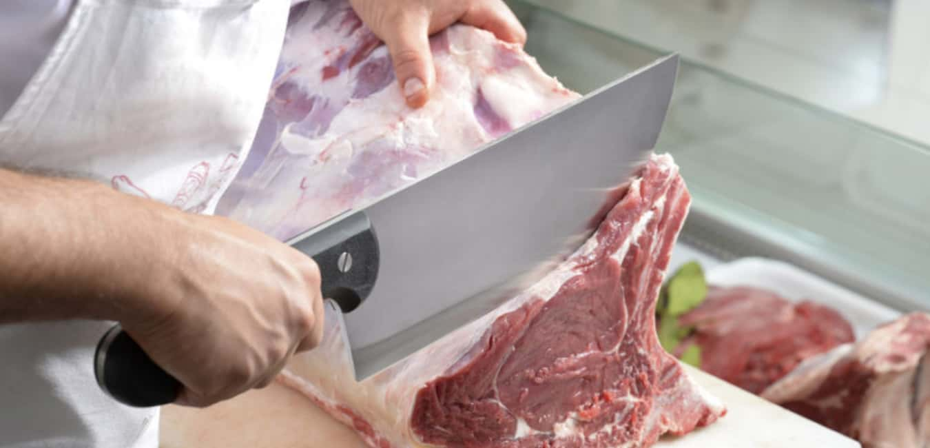 What Knife should be used for Cutting Raw Meat
