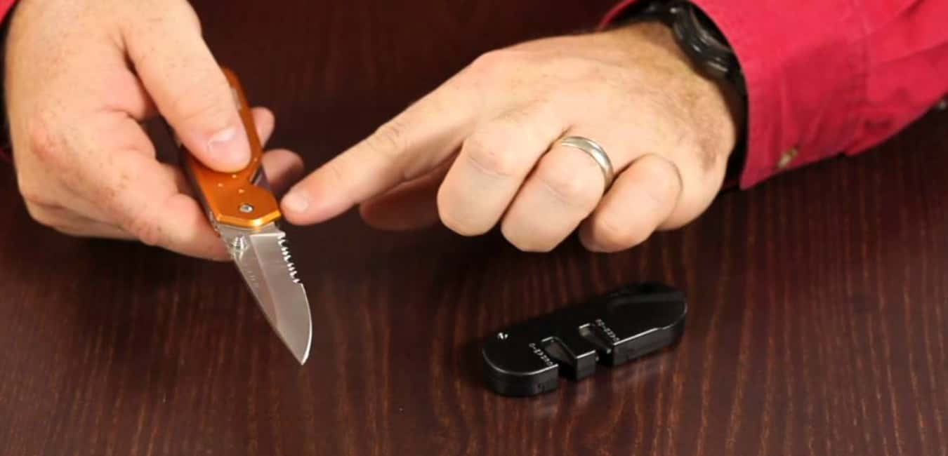 How to Sharpen a Knife with Smith's Pocket Pal
